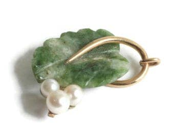 Carved Jade Cultured Pearl Pendant Leaf Design Vintage