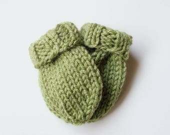 Hand Knit Baby Mittens Size 3 to 6 Months, Green Thumbless Mitts, READY TO SHIP, Infant Warm Winter Clothing Gender Neutral Baby Shower Gift