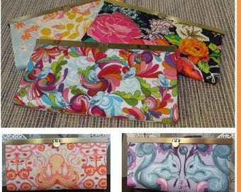 Diva Frame Wallet Sewing Pattern by Sew Many Creations