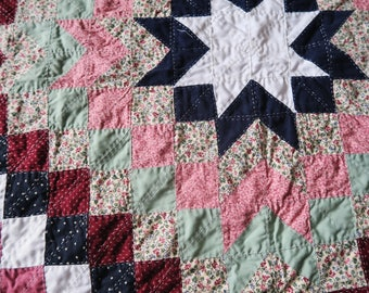 Unfinished QUILT top, colourful tree skirt, hand quilted, star patchwork, quilt topper. star quilt, quilted tablecloth