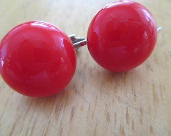 VINTAGE COSTUME JEWELRY  / red clip on earrings
