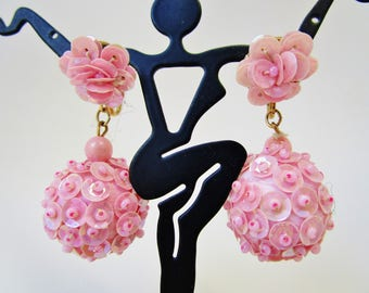 """Vintage 50s Glamour Girl Pink Aurora Borealis Sequin Double Ball Dangle Earrings Clip On Signed Hong Kong Mid Century 1 3/4"""" Mod Statement"""