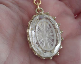 Vintage Art Deco Faceted Glass with Camphor Starbust Inset Gold Pendant Necklace