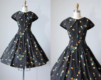 50s Dress - Vintage 1950s Dress - Black Floral Tulip Polka Dot Print Cotton Full Skirt Sundress L - Fall From Heaven Dress