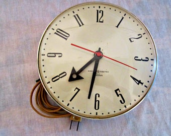 Retro Mid-Century Wall Clock, Industrial Wall Clock, 1960s Kitchen Clock