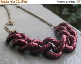 SALE CINNAMON INCEPTION, chunky red chain necklace.