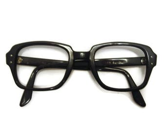 Vintage 1970s Black Horn Rim Cateye Eyeglasses Eyewear Frame