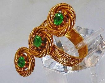 SALE Vintage Green Rhinestone Three Stone Ring.  Gold Braided 3 Stone Green Rhinestone Ring. Adjustable.