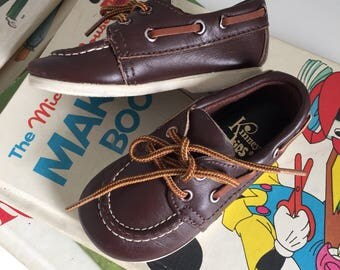 Vintage 1970s Toddler Size 4 Shoes / 70s Kinney Brown Leather Loafers Boat Shoes / Preppy, Nautical, Lace Up