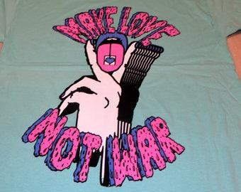 T-Shirt - Make Love Not War (Pink/Blue on Mint)