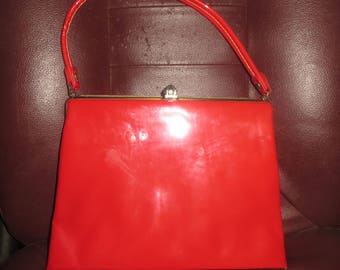 vintage red patent leather kelly bag   1950/ 1960s