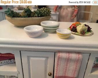 SALE Miniature Striped Nesting Bowls, Ceramic Mixing Bowl Set, Dollhouse Miniature, 1:12 Scale, Dollhouse Accessory, Kitchen Decor, Mini Bow