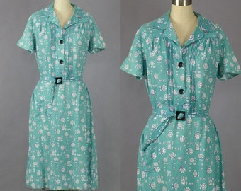 Vintage 1940s Dress, 40s Dress, 1940s Floral Cotton Day Dress with Flower Buttons, Medium