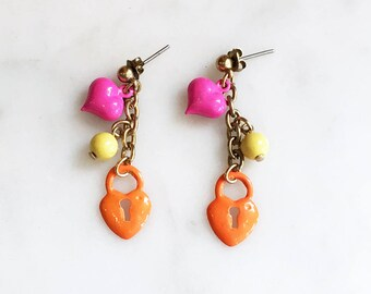 Vintage 80s Heart Lock Charm Earrings / 1980s Enameled Metal Bead Dangle Earrings