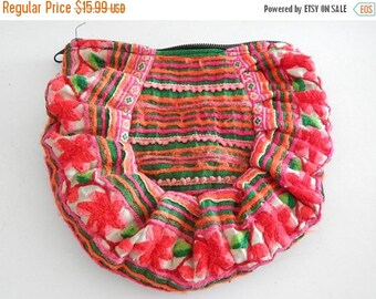 ON SALE Vintage Embroidered Hmong Fabric Purse