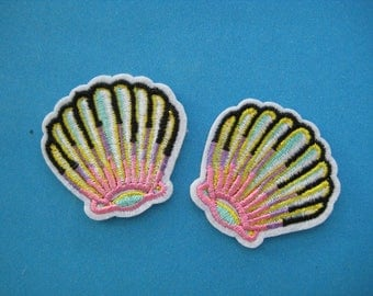 SALE~ 2 pcs Iron-On embroidered Patch Sea Shell 1.6 inch