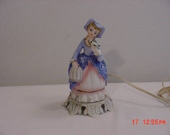 Vintage Aladdin Giftware Portable Lamp / Night Light Woman With Song Bird & Bird Cage  17 - 981