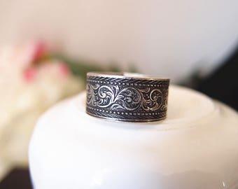 Vintage aged brass floral adjustable metal ring
