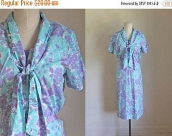 AWAY SALE 20% off vintage 1960s dress set - VIOLETS are Blue cotton ascot top & skirt set / M