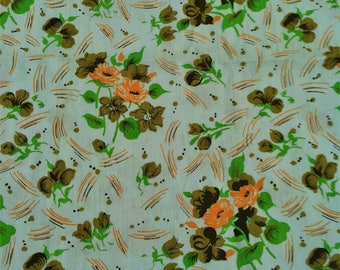 Over 4 Yards of  Cotton Fabric, Quilting Fabric, Fabric Destash Sale, Green Flower Any Occasion Fabric,Cotton Fabric,Tote Sewing Fabric Sale
