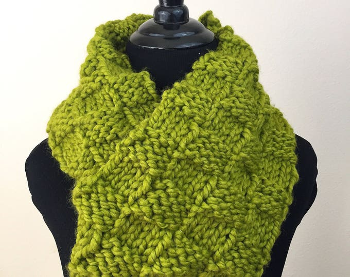Chunky Knit Infinity Scarf in Lime