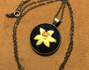 Yellow Daffodil embroidered necklace on metal base