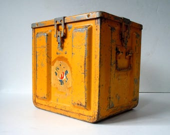 Vintage LARGE Metal Ammo Box / Storage Organization / Industrial Decor / Pencil Yellow / Safety Yellow / Large Metal Box with Handles Latch