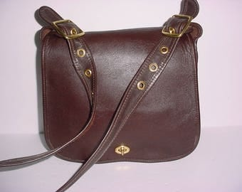 Vintage Coach dark brown leather Stewardess Cross body Messenger bag .