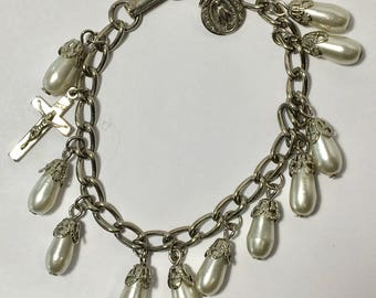 Vintage Faux Pearl and Silver Tone Bracelet