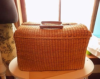 Vintage Hand Woven Basket - Yarn Bag - Nordic Fench decor Cottage Chic