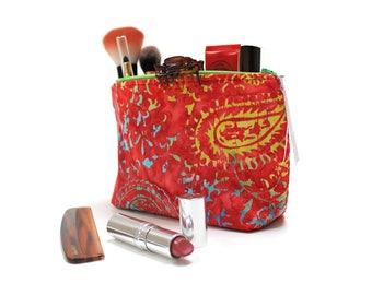 Handmade Make-up Bag / Make Up Bag / Cosmetics Bag / Makeup pouch / Zipper Pouch / Batik Accessory Bag / Pencil Case / Toiletry Bag