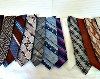 1970's Men's Neckties Assortment of 13 ties 4 inch Wide Blues, Browns, Rust,  White, Burgandy