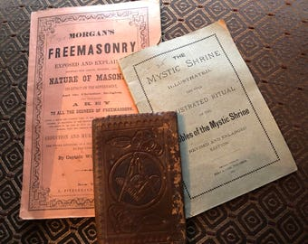 Vintage Freemason wallet with books