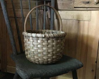 Primitive Bucket Basket, primitive decor, farmhouse style, country rustic, round basket