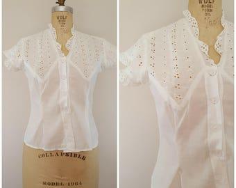 Vintage 1940s Blouse / White Eyelet Lace / Short Sleeve Summer Blouse / Medium
