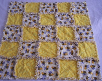 Newborn Rag Quilt - Busy Bees Rag Quilt - Baby Rag Quilt - Snuggle Rag Quilt - Nursing Rag Quilt - Sensory Rag Quilt - Baby Quilt