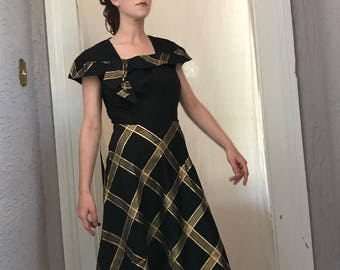 40's Vintage Black and Gold Lame' Taffeta Dress sm/med.