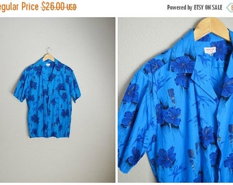 Summer SALE - 20% off - vintage royal blue Hawaiian luau floral shirt -- mens  small/medium