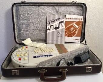 Vintage Cream Suzuki Omnichord Synthesizer System One in Original Case in Nice condition OM27
