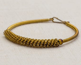 Gold Twisted Metal Rings Snake Chain Vintage Bracelet Costume Jewelry 7AR