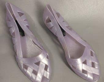 80s Purple Jelly Shoes. LOVE Brand. Lavender Jellies. Retro Plastic Shoes. Rubber Shoes. Purple Flats. Slip Ons. Sandals. US Womens Size 7