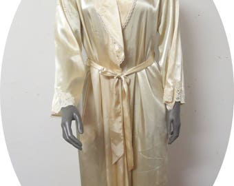 Vintage Cream Robe Dressing Gown  Jones New York Small #077