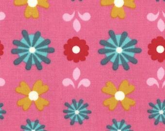 Liz Scott Fabric, Domestic Bliss by Liz Scott for Moda Fabrics, 18073-13 Flower Power Pink