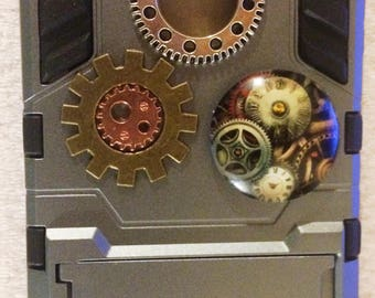 Steampunk Iphone 5/5S case, cogs, wheels, punk, silver, gray