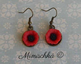 tiny earrings poppy