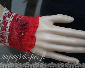 "Bracelet in red felt ""Red passion"""