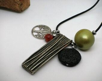 """Sautoir """"Yaronta"""" Arbre de Vie, collier unique et original, vert avec arbre et cuir noir, promo/ Promotion code, green necklace tree of life"""