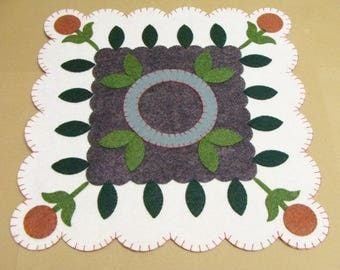 Candle Mat Scallop Edge Square