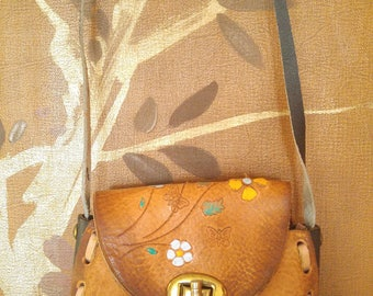 70s hand tooled flowered Mexican leather small bag