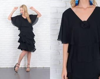 Vintage 70s Black Tiered Dress Boho Cape Sleeve XL Midi 10109